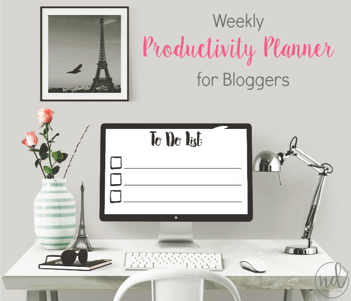 Grow your blog AND your business by using this free weekly productivity planner for bloggers